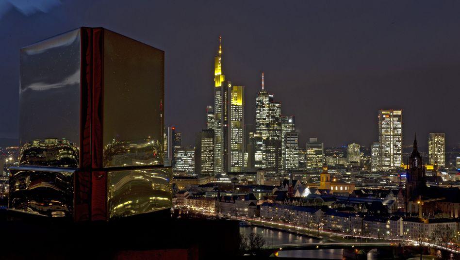 Frankfurter Bankenviertel: Glitzernde Fassaden, doch Kapitalbedarf in Milliardenhöhe
