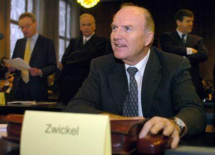 Nur der Augenschein: Heute steht nicht Zwickel im Vordergrund, sondern Klaus Esser