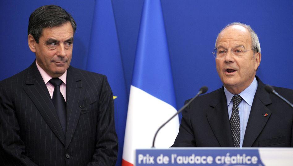 Besondere Verbindung: Fillon, damals Premierminister (l), zeichnet Marc Ladreit de Lacharrière 2009 für unternehmerischen Mut aus
