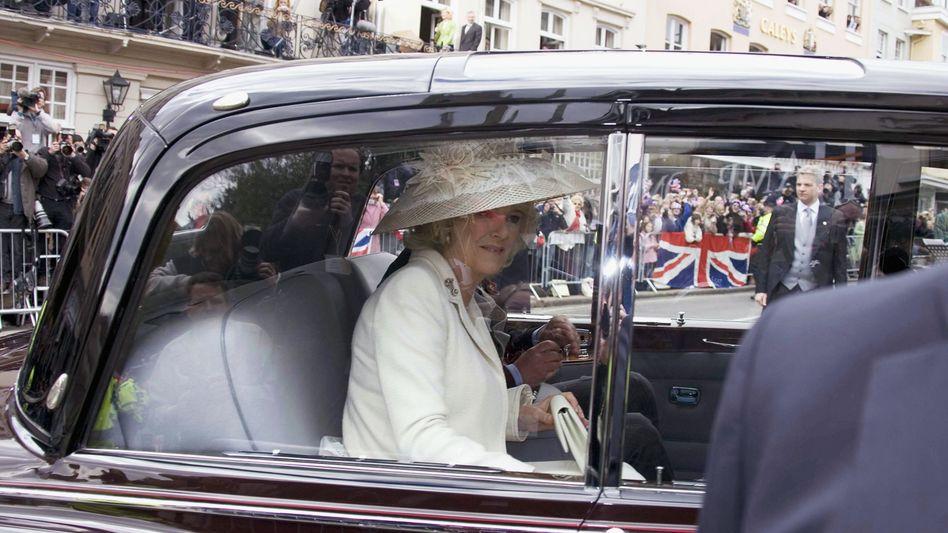 Camilla Parker Bowles im Rolls Royce: Den Royals geht es gut, der britischen Autoindustrie nicht so