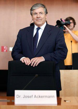 Will das Privatkundengeschäft seiner Bank stärken: Deutsche-Bank-Chef Ackermann steht vor der Beteiligung seiner Bank an Sal.Oppenheim