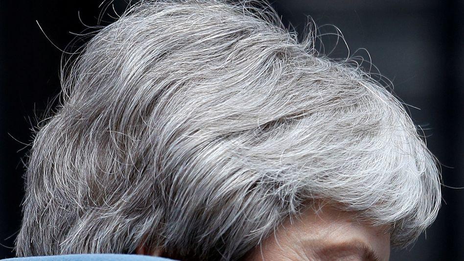 """""""Roulette mit dem Schicksal der Bevölkerung"""" : Drei Staatssekretäre traten gestern zurück, um gegen die Regierung stimmen zu können, sie machen Theresa May erhebliche Vorwürfe"""