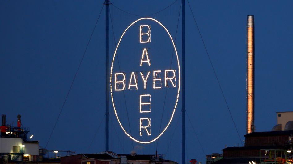 Bayer-Kreuz im Leverkusener Chemiepark: Bayer-Aktien legten nach einem US-Urteil in Sachen Glyphosat zu