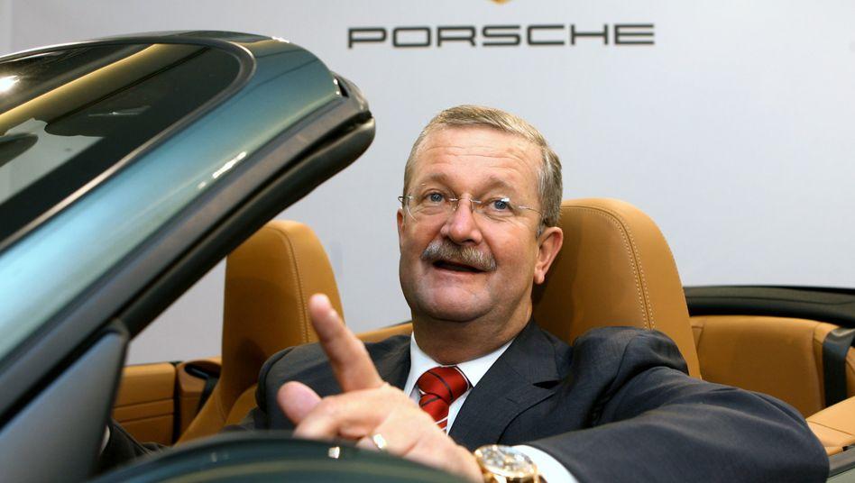 Wendelin Wiedeking: Dem Ex-Porsche-Chef wird vorgeworfen, bei dem Übernahmeversuch von Volkswagen durch Aktienspekulationen den Konzern gefährdet zu haben
