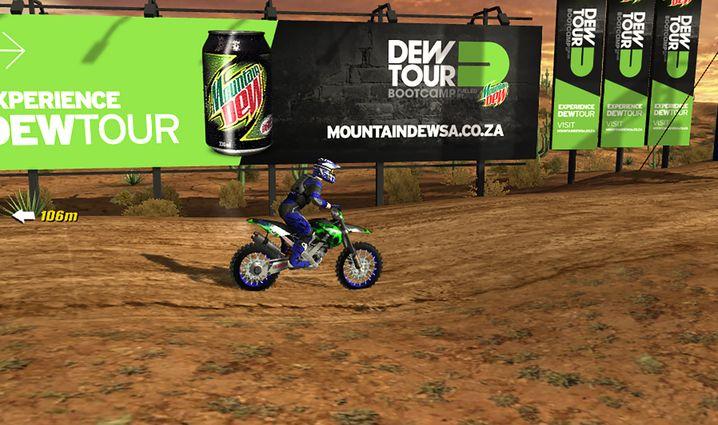 Dynamische Getränkewerbung bei einem Motocross-Spiel