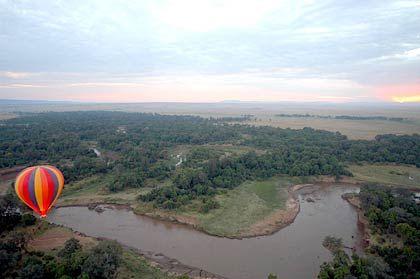 Ballonfahrt über der morgendlichen Masai Mara mit Start beim Governors' Camp