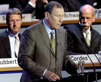 Der Vormann und seine Statthalter: Mercedes-Chef Eckhard Cordes, Konzernchef Jürgen Schrempp und Chrysler-Chef Dieter Zetsche