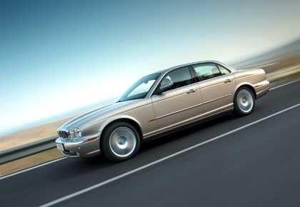 Modernes Auto im Retro-Look: Der neue Jaguar XJ ist in alle Richtungen gewachsen
