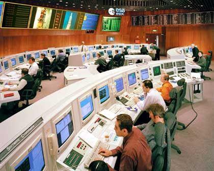 Esa-Kontrollzentrum: Gespanntes Warten