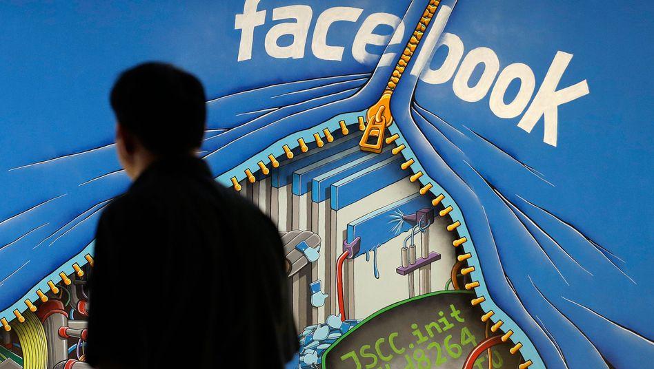 Facebook lässt ungern Blicke hinter die Kulissen zu - anders als es dieses Wandgemälde auf dem Firmengelände im kalifornischen Menlo Park vermuten lässt.