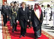 Politisches Ziel: Kanzlerin Angela Merkel in Nahost
