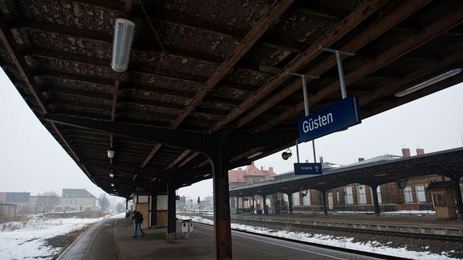 Regionalbahnhöfe: Die Deutsche Bahn tut wenig. um Reisenden das Warten zu erleichtern