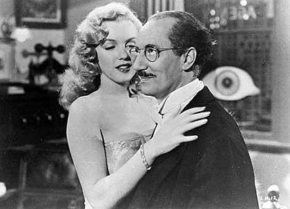 """Groucho Marx (mit Marilyn Monroe) in """"Love Happy"""": Vorbild für Hidden Agenda der FDP"""