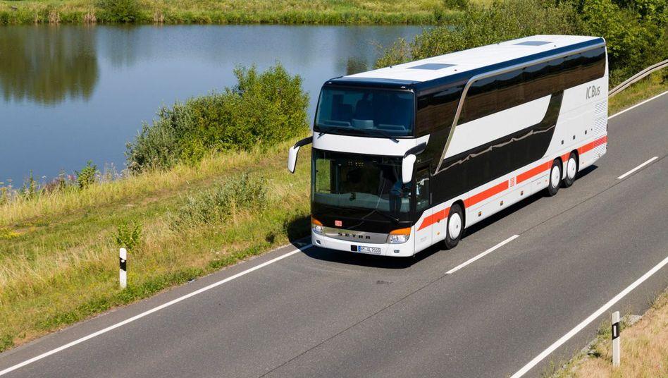 Straßen-Bahn: In einem ersten Schritt sollen die bestehenden Bus-Marken wie BEX, Berlinienbus und IC-Bus zusammengefasst werden