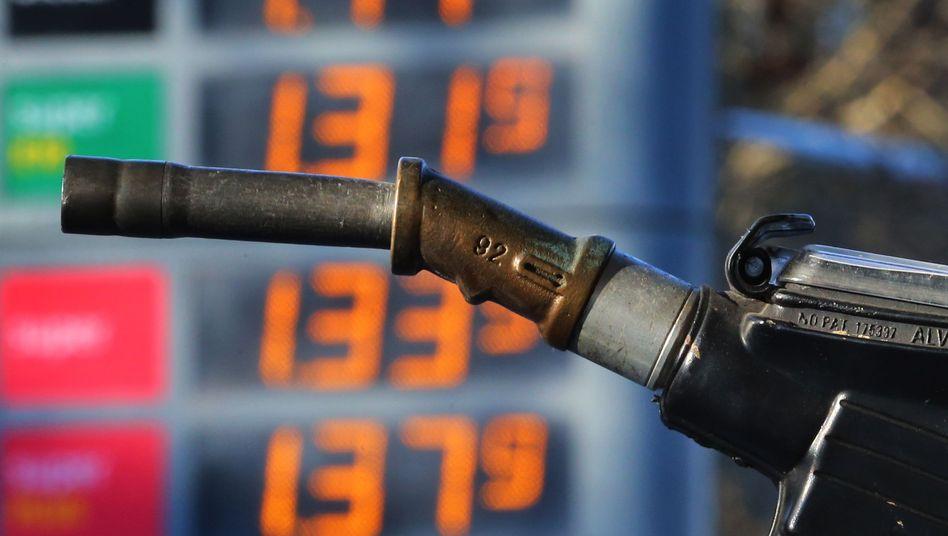 Zur Oster-Reisezeit gerne etwas teurer: Kraftstoff gehörte zu den Preistreibern im April.