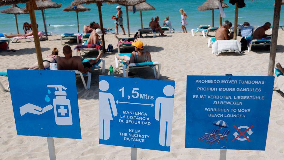 Strand auf Mallorca: Seit Freitag besteht eine Reisewarnung für ganz Spanien - mit Ausnahme der Kanaren
