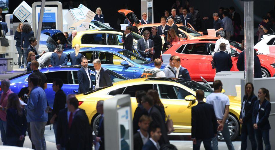 VW-Stand bei der IAA 2017: In diesem Jahr müssen Besucher weniger weit gehen, weil Aussteller fehlen und Stände schrumpfen