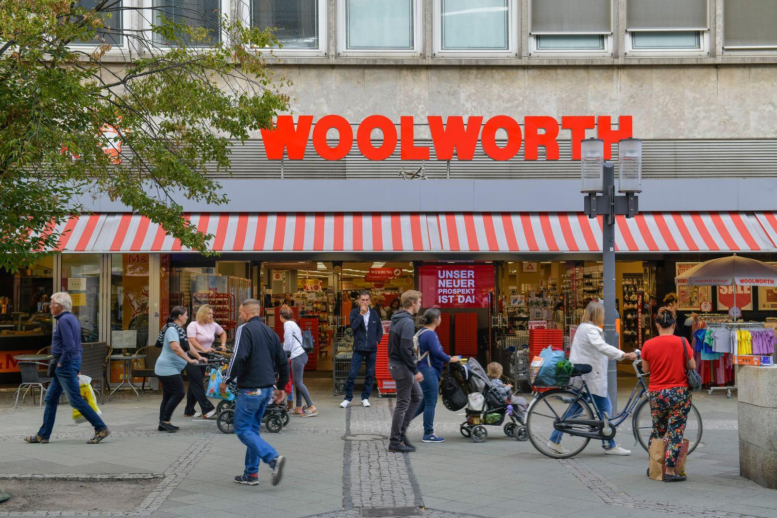 Woolworth, Wilmersdorfer Strasse, Charlottenburg, Berlin, Deutschland *** Woolworth, Wilmersdorfer Strasse, Charlottenbu