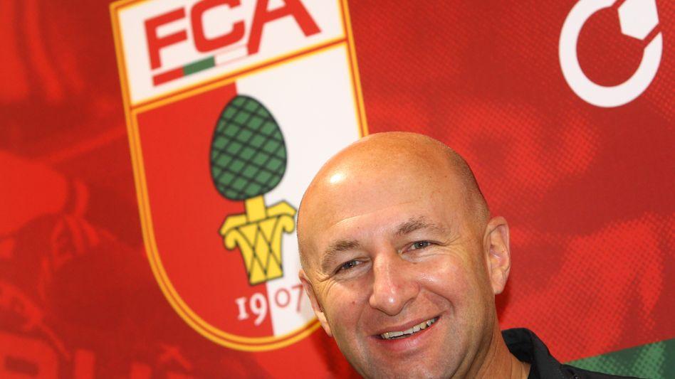 Der neue Präsident des FC Augsburg, Klaus Hofmann, übernimmt den Bundesligisten zusammen mit Co-Investoren. Sie wollen einen zweistelligen Millionenbetrag in den Club investieren