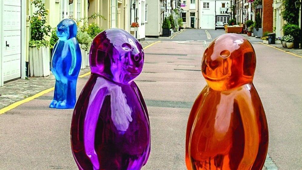 """Die Skulptur """"Jelly Baby 1, 2, 3"""" des Künstlers Mauro Perucchetti"""