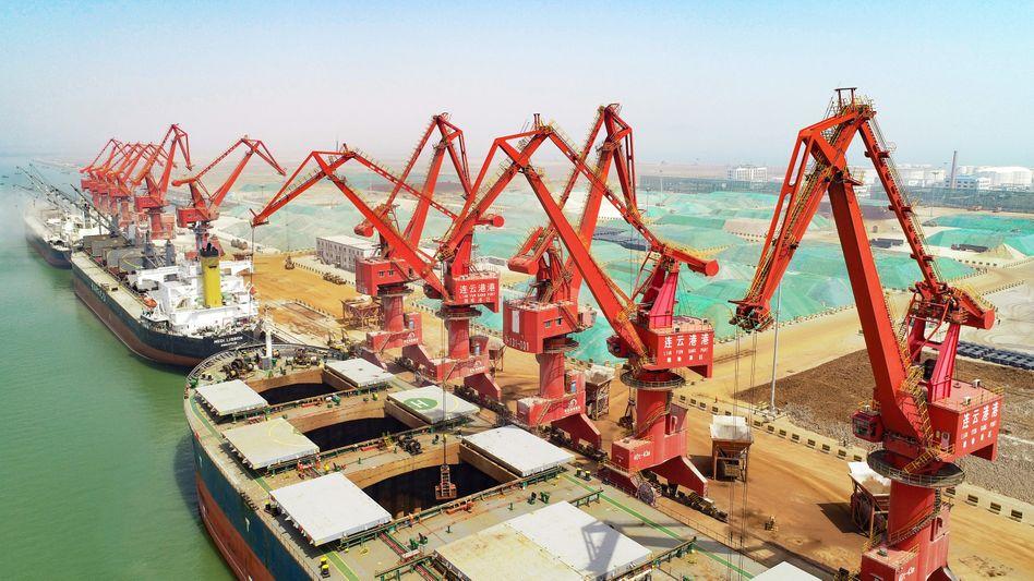 Hafen von Lianyungang: Ab Ende August 25 Prozent Strafzoll auf US-Importe. Kurz zuvor hatten die USA Zölle in gleicher Höhe auf chinesische Importe erhoben
