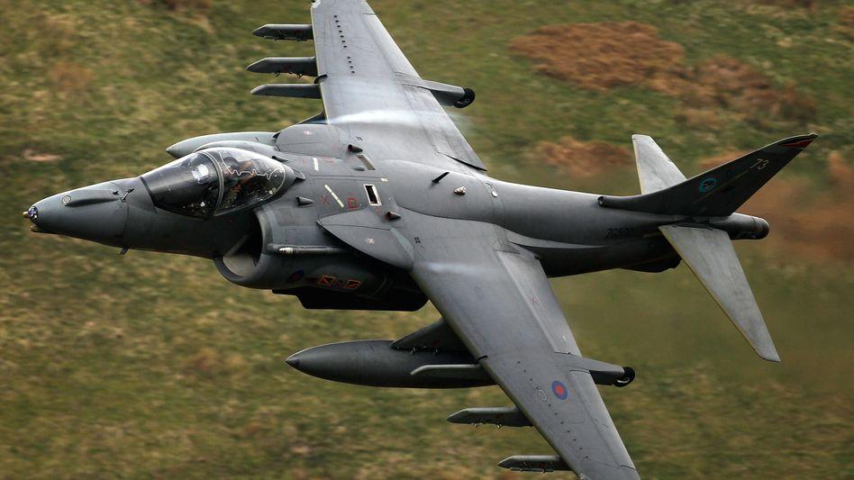 Britischer Harrier Jet: Regierung in London arbeitet an Plänen für einen Militäreinsatz in Syrien