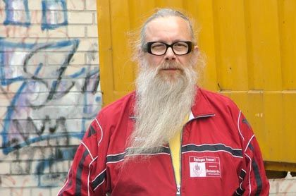 """Herr der blau-gelben Lkws: Zapf, Chef der gleichnamigen Umzugsfirma, gehört zu den """"Top-20-Klägern"""""""