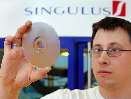 Blue-ray Disc: Singulus stellt die Anlagen zur Produktion solcher Scheiben her. Im ersten Halbjahr gab es dafür nicht einen Auftrag
