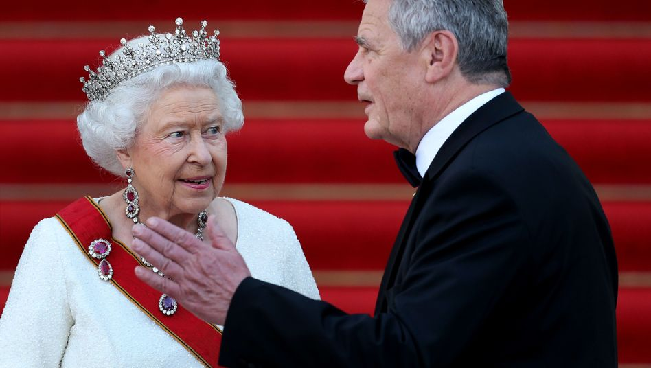 Besuch in Deutschland: Queen Elizabeth II (hier mit Joachim Gauck)