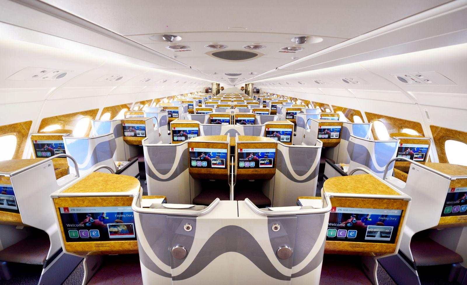 Business Class Flugprodukte / Emirates A380 Business Class