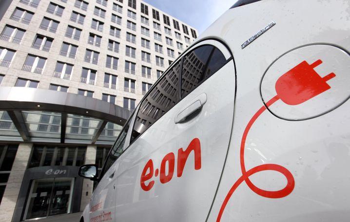 Stecker raus: Eon und RWE leiden weiter unter der Energiewende, die Kurse und Gewinne sind eingebrochen