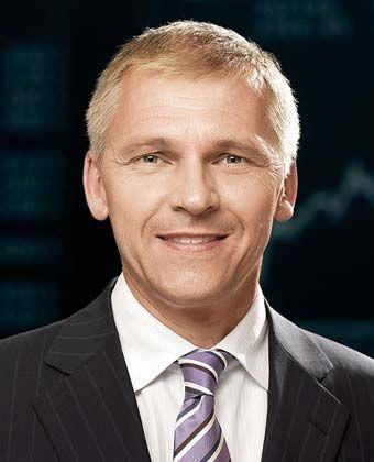 """Michael Best leitet seit 2007 das ARD-Börsenstudio und moderiert die Sendung """"Börse im Ersten"""" vor der Tagesschau. Er hat Volkswirtschaftslehre studiert und arbeitet seit vielen Jahren als Fernsehjournalist."""
