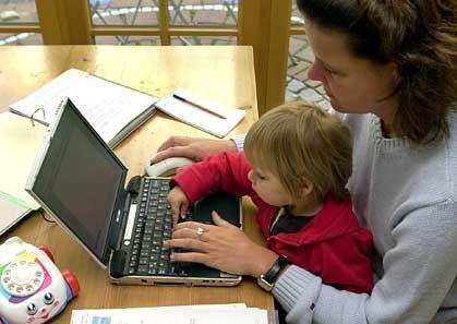 """Aufstieg mit Anhang: """"Engagierte, karriereorientierte Frauen streben mehrheitlich eine Doppelkarriere an: im Berufsleben und im Privatbereich, oft mit den Wunsch nach Kindern verbunden."""""""