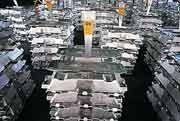 Aluminiumproduktion bei Alcoa in Pittsburgh: Gewinn weniger stark gefallen als erwartet