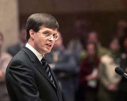 Bangen in den Niederlanden: Ministerpräsident Jan Peter Balkenende bittet um Zustimmung bei der Volksbefragung am Mittwoch