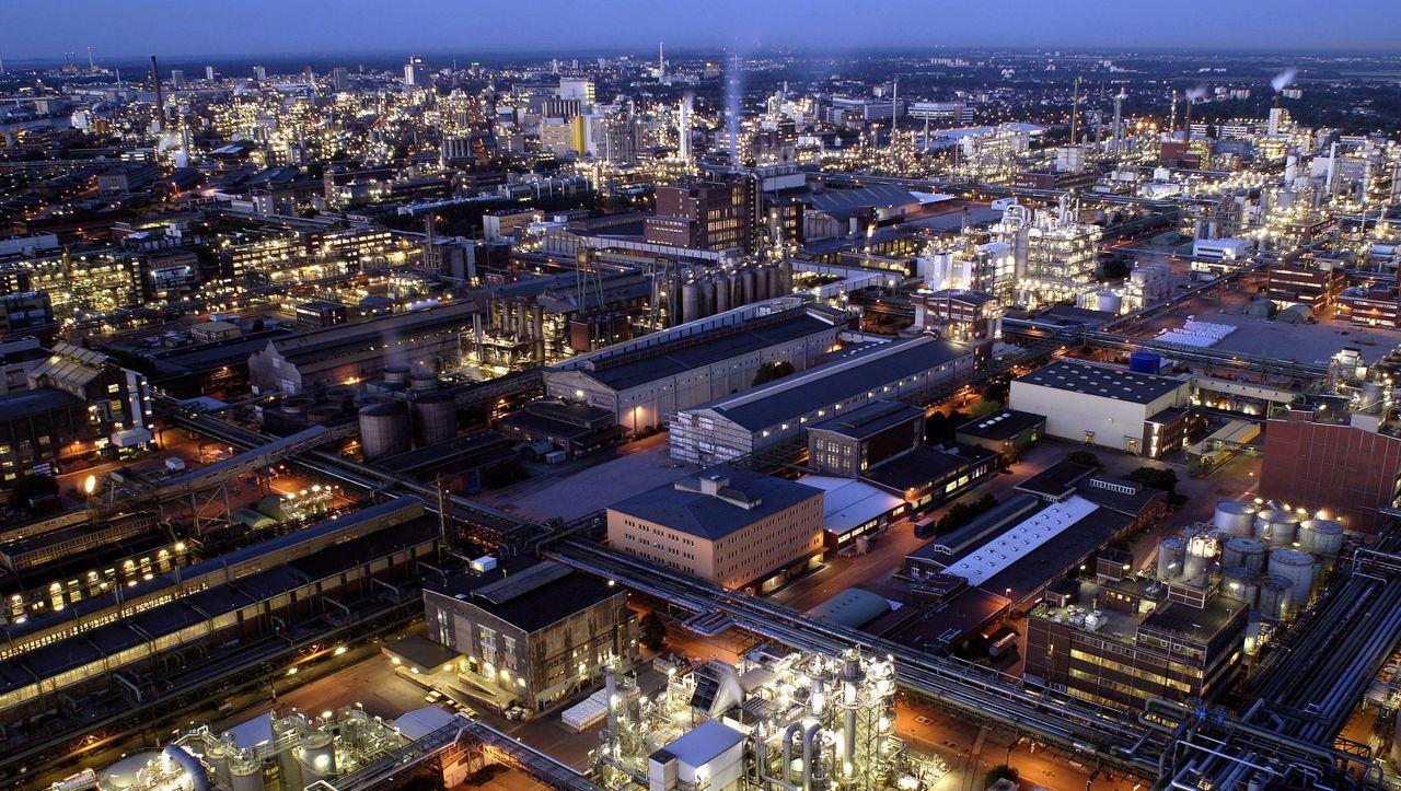 BASF streicht 2000 Stellen in Servicesparte - manager magazin - Unternehmen
