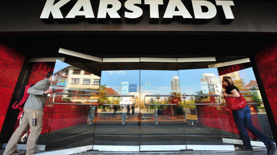 Karstadt-Warenhaus in Kaiserslautern: Unternehmensschef Andrew Jennings will alle 115 Standorte weiterführen