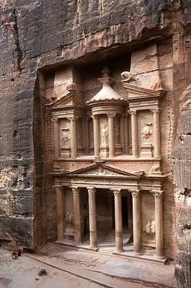 Geschichtsträchtig: Das Schatzhaus der Felsenstadt Petra in Jordanien