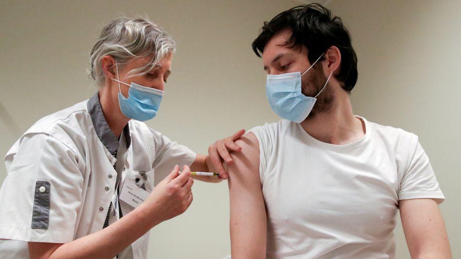 Impfung mit Curevac-Impfstoff: Für die dritte entscheidende Wirksamkeitsstudie fehlt es nicht an Teilnehmern, sondern an mit dem Coronavirus infizierten Probanden