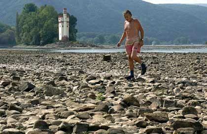 """Spaziergang am Rhein (im Sommer 2003): """"Viele schauen auf uns"""""""
