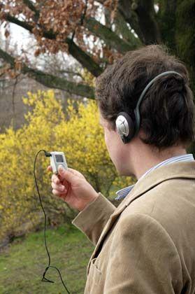 Reden hören: Mit Vorlesesoftware erfasste Texte lassen sich ins MP3-Format umwandeln, so dass sie auf entsprechende Player gespeichert werden können