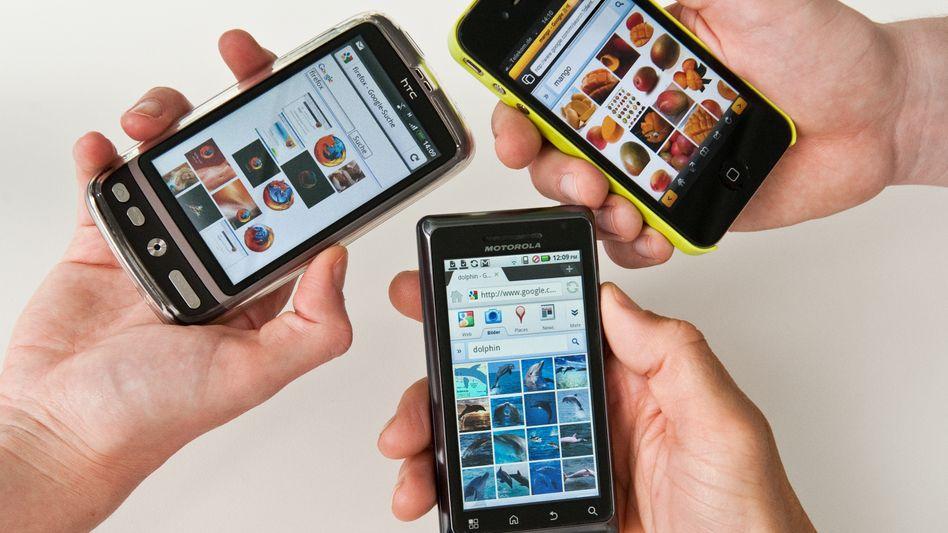 Viele Wege führen ins Web: Hier drei Handybrowser im Direktvergleich - Firefox für Android, Dolphin für Android und Mango für iPhone (von links nach rechts).