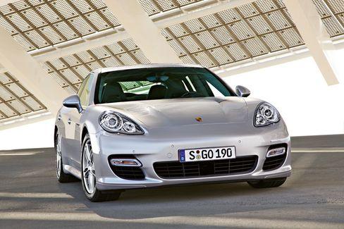 Alles in einem: Der Porsche Panamera soll Eigenschaften von BMW M5, Maserati Quattroporte und Mercedes S-Klasse in sich vereinen