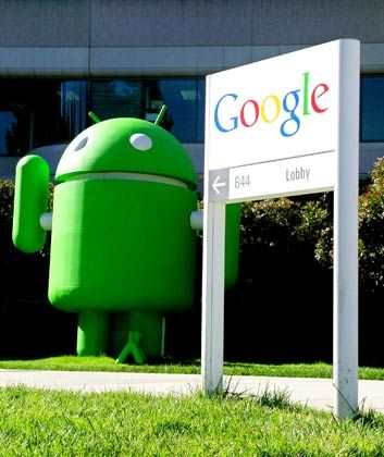 Klasse Zahlen: Das Android-Maskottchen vor dem Eingang zur Google-Zentrale in Kalifornien