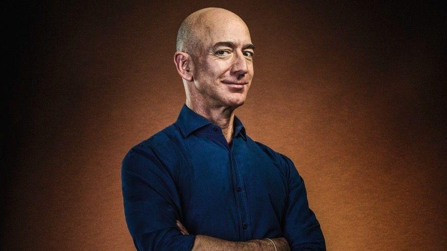 Mit dem Lächeln eines Branchenkillers: Amazon-Gründer Jeff Bezos