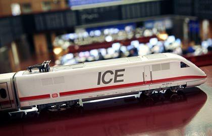 Börsengang fraglich:Ein Modelleisenbahn-ICE