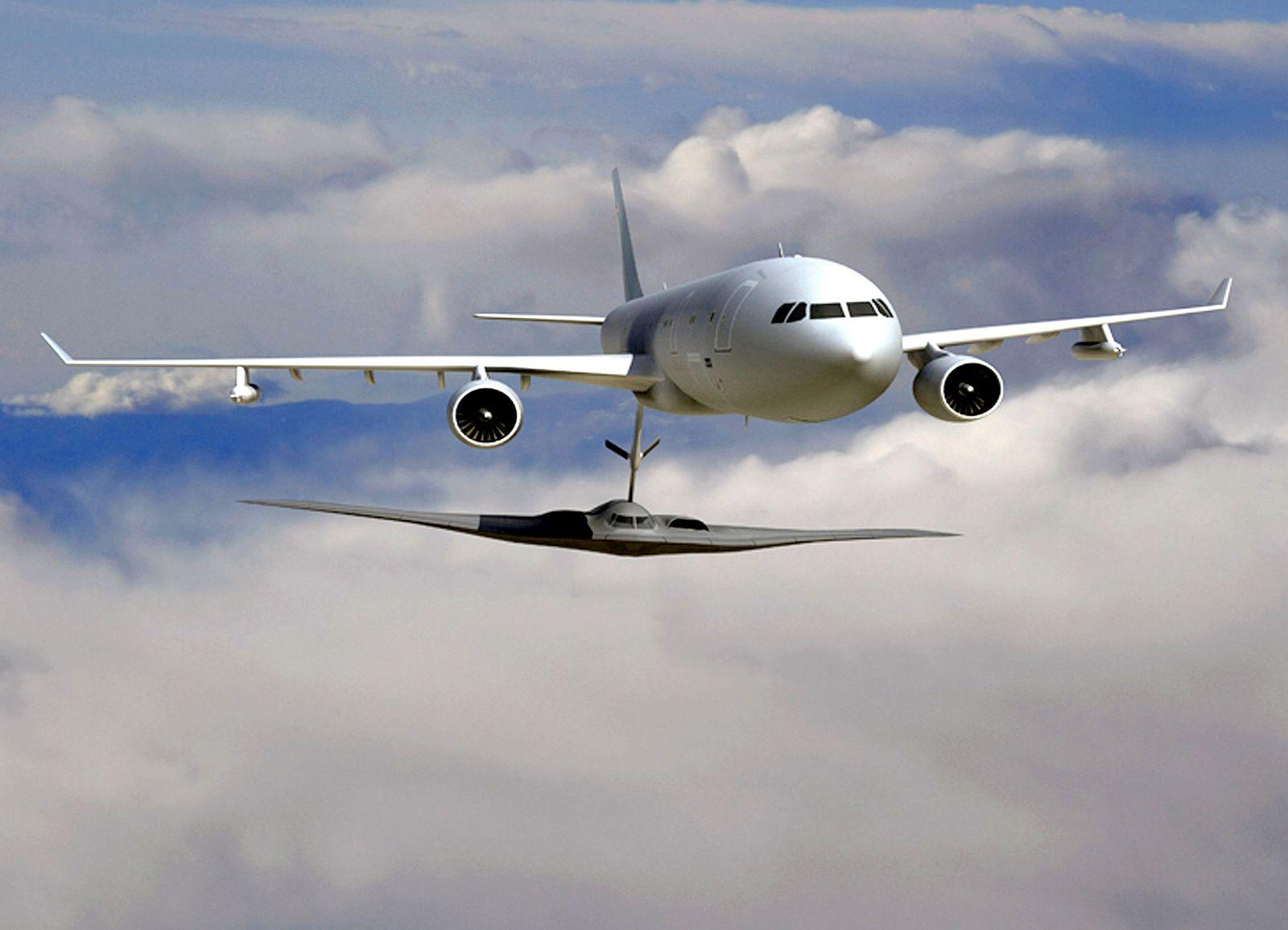 FRANCE-US-AEROSPACE-DEFENCE-REFUELING-EADS-BOEING