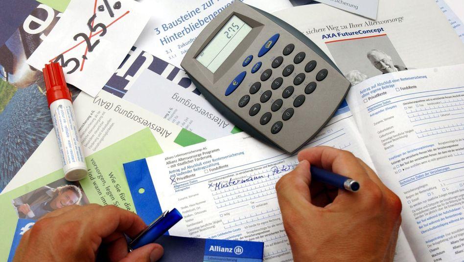 Präzise Rechnen: Bei der Altersvorsorge kommt es vor allem auf die Kosten der Finanzprodukte an