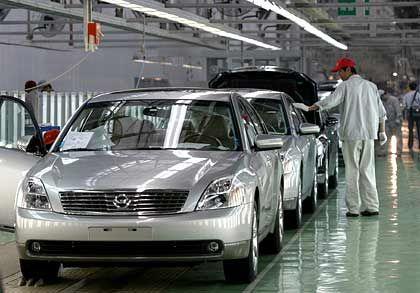 Immer mehr Hightech: Inzwischen baut das einst belächelte China längst auch komplexe Produkte wie Autos - wie jenes unter dem Namen Dong Feng. Das bedeutet übrigens Ostwind.