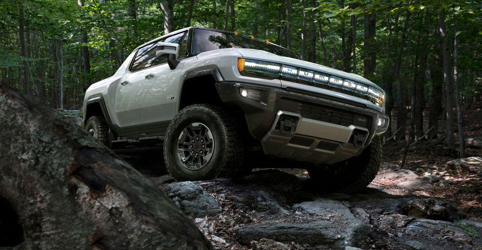 Dickes Ding: Für den Elektro-Pick-up Hummer von General Motors liefert Magna International die Batteriegehäuse – und hat auch einen ganzen Antriebsstrang zur Elektrifizierung der Pritschenwagen entwickelt